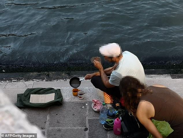 فرض غرامة على سائحين فى مدينة البندقية لإعدادهم القهوة  (4)
