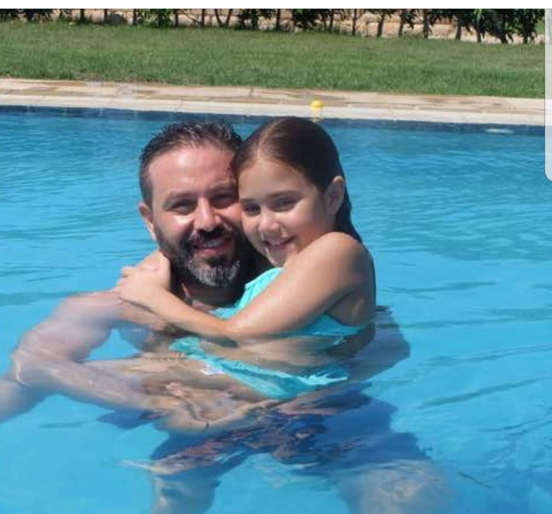 حازم إمام و أبنته
