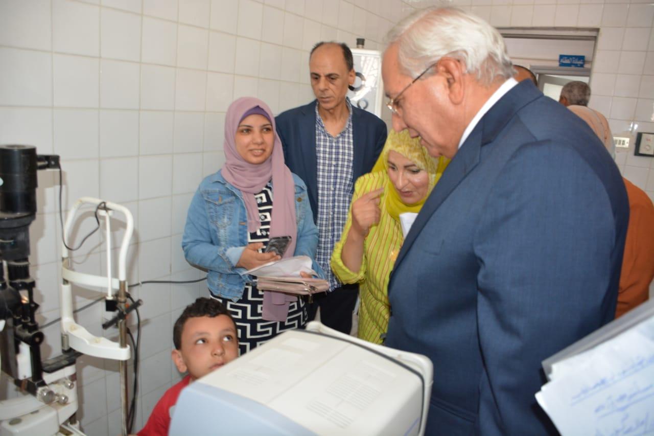 محافظ الدقهلية بمستشفى جمصه (1)