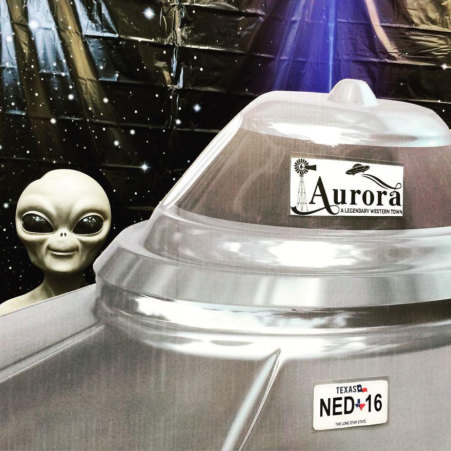 Space Alien Grave 4