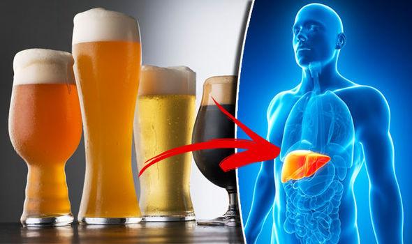 اضرار الكحول على  الكبد