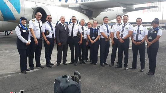 مطار دوالا يحتفل باستقبال أولى رحلات مصر للطيران (5)