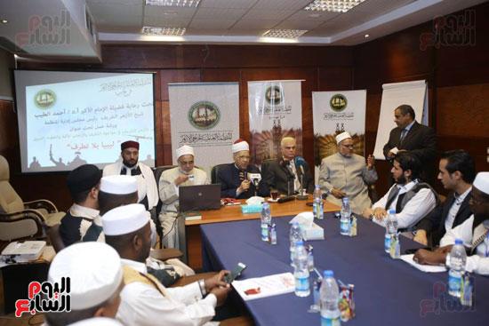 تخريج دفعة ائئمة  لانجلترا وليبيا (16)