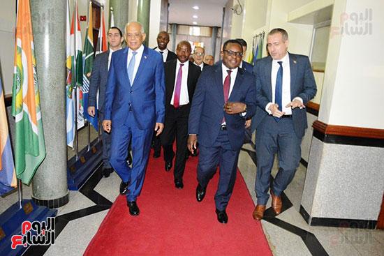 الدكتور على عبد العال رئيس مجلس النواب ورئيس الشيوخ الكينى (4)