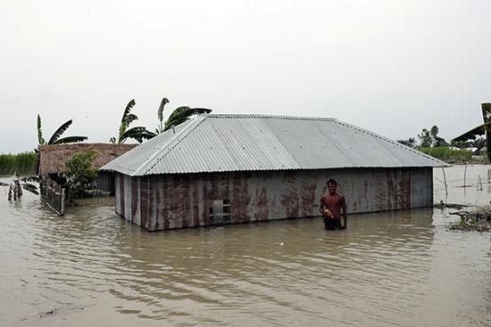 المياه فى كل الأرجاء بنيبال