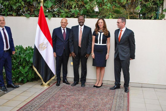 السفارة المصرية فى أنجولا (15)