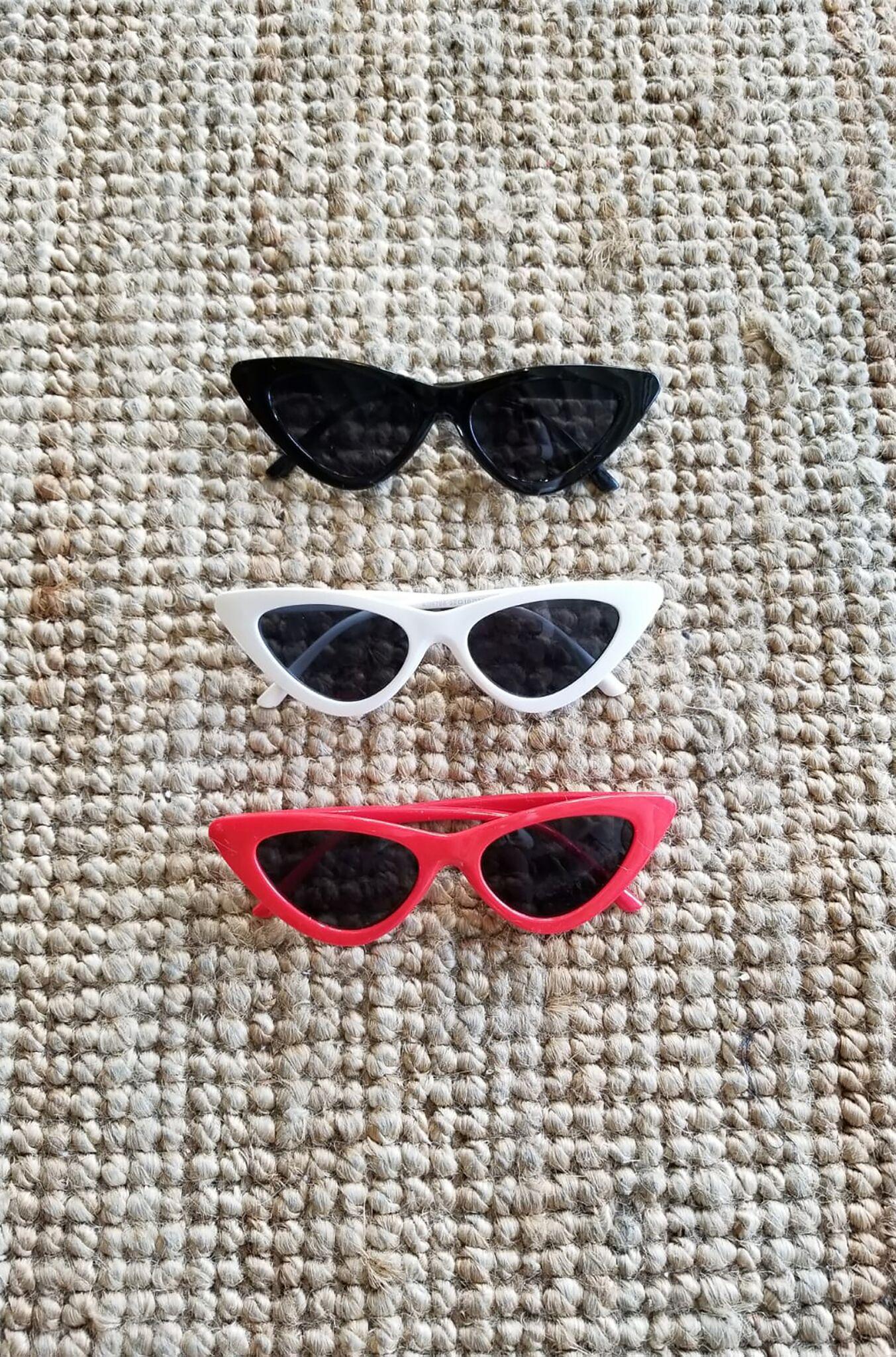 نظارات شمس عصرية.