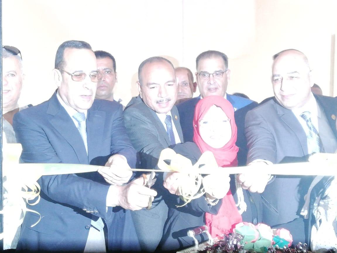 محافظ شمال سيناء يفتتح فرع لأكاديمية المعلمين (2)