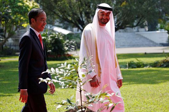 استقبال حافل لولى عهد أبو ظبى فى إندونيسيا (3)