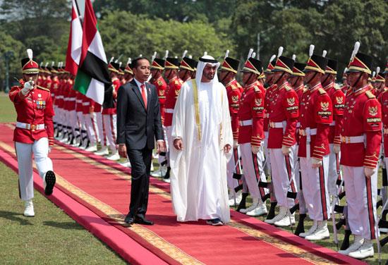 استقبال حافل لولى عهد أبو ظبى فى إندونيسيا (5)
