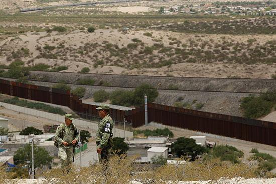 الحدود بين امريكا والمكسيك