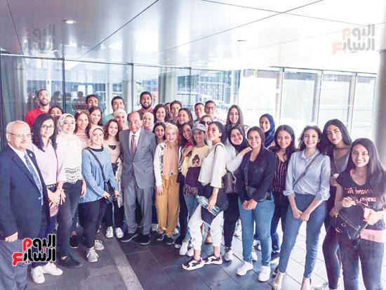 طلاب الجامعة البريطانية فى لندن