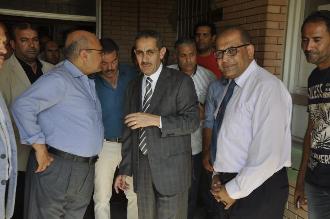 رئيس جامعة قناة السويس يفتتح العيادات الخارجية للمستشفى الجامعى (6)