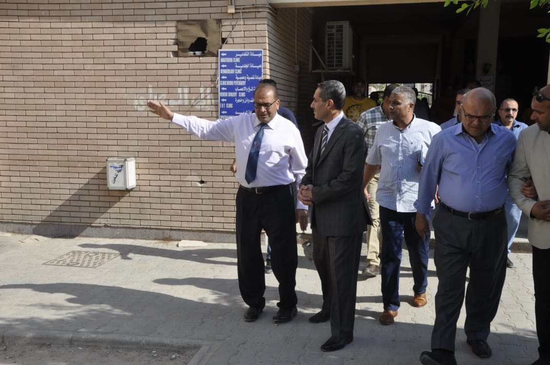 رئيس جامعة قناة السويس يفتتح العيادات الخارجية للمستشفى الجامعى (1)