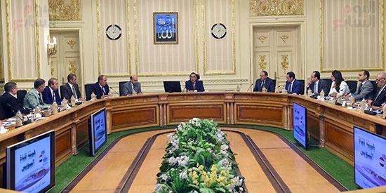 مصطفى مدبولى لرؤساء شركات هيئة قناة السويس لن نسمح بخسارة أى شركة (4)