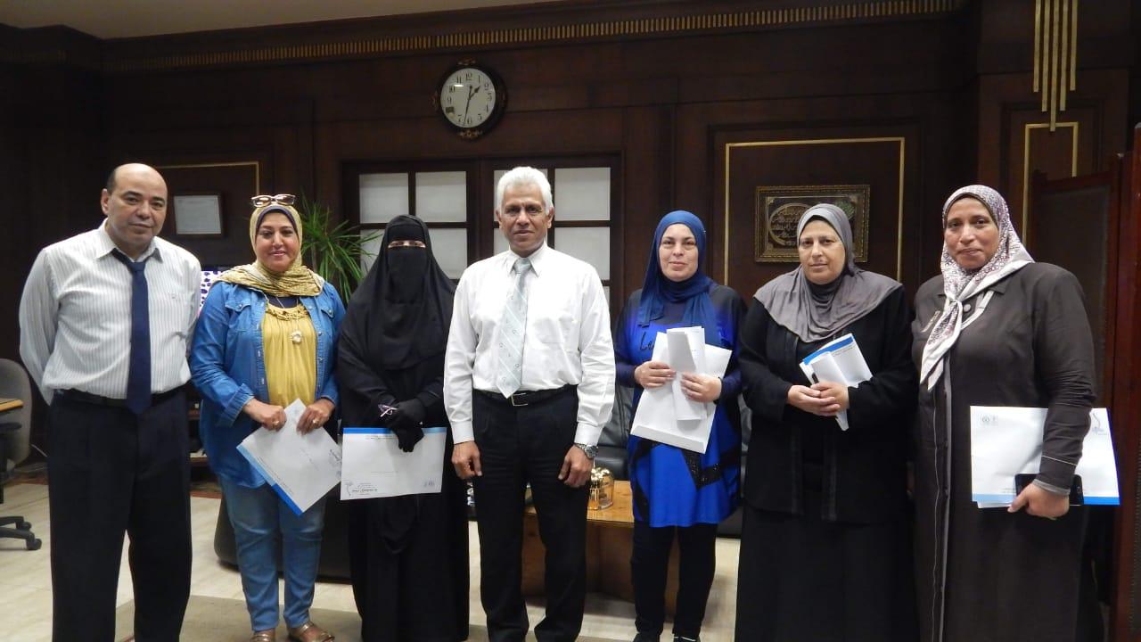 ميناء الإسكندرية يتسلم 5 تأشيرات حج للعاملين بالهيئة (3)