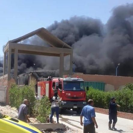 حريق مصنع (2)
