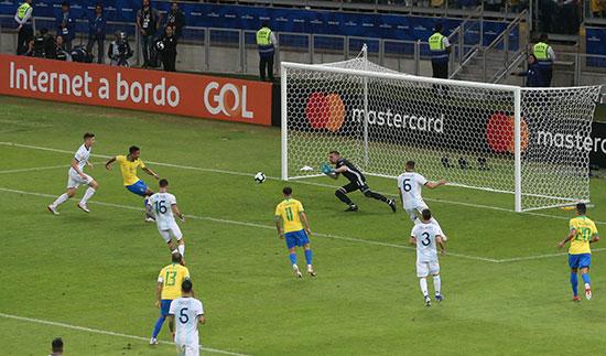 هدف البرازيل الأول