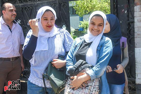 طالبات الثانوية العامة