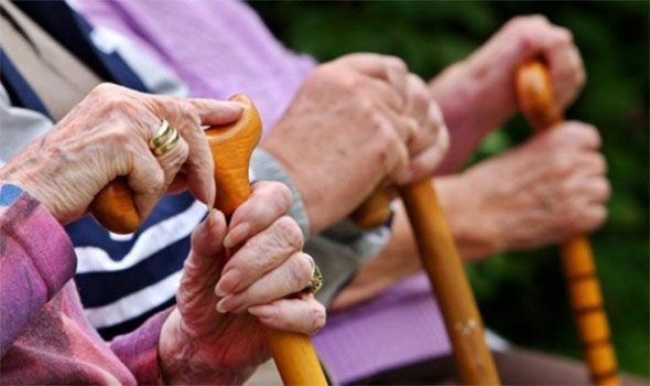 نصائح لمساعدة كبار السن للتخلص من الشعور بالوحدة (1)