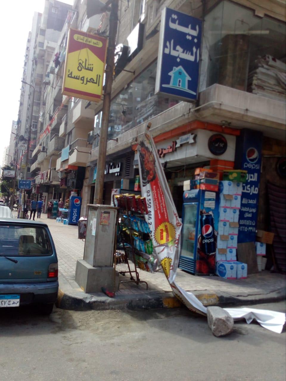 حملات مكبرة وغرامات مالية فورية لإزالة إشغالات الطريق شرق الإسكندرية (3)