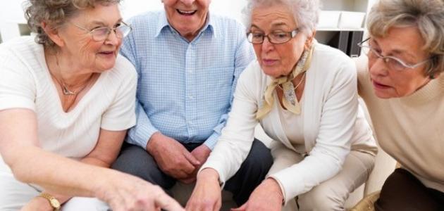 نصائح لمساعدة كبار السن للتخلص من الشعور بالوحدة (2)