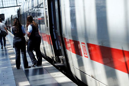 قطار بمحطة فرانكفورت