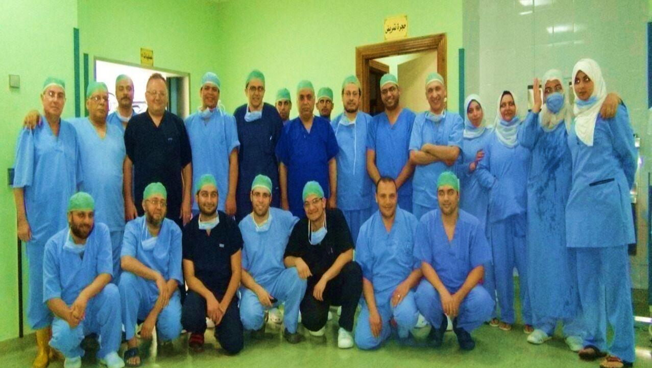 طاقم الفريق الطبي لزراعة الكبد