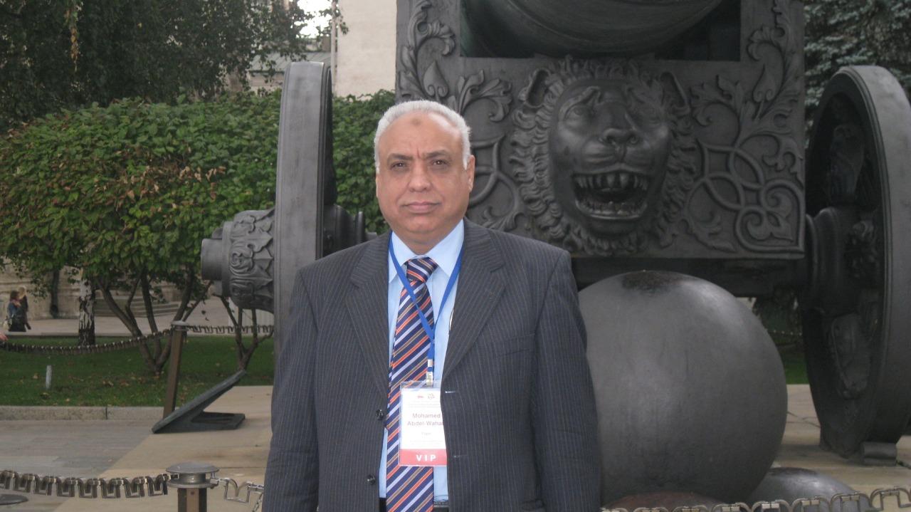 الدكتور محمد عبد الوهاب (2)