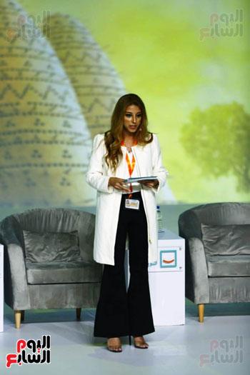 السيسي يطلق مبادرة حياة كريمة بمؤتمر الشباب (8)