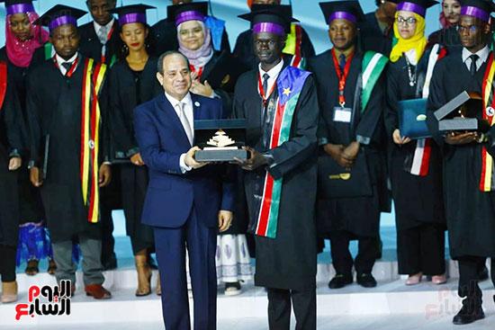 الرئيس السيسى يشهد تخريج الشباب الأفارقة