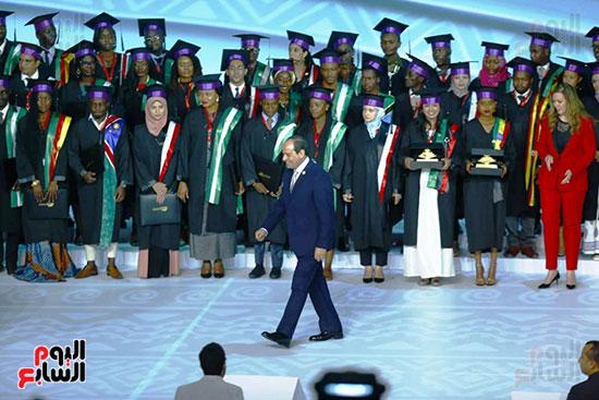 الرئيس السيسى والشباب الأأفارقة