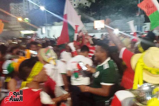 فرحة-جماهير-مدغشقر-بفوز-فريقهم--(9)