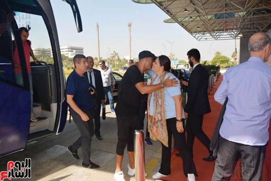 منتخب المغرب يغادر القاهرة (4)
