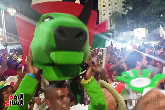 فرحة-جماهير-مدغشقر-بفوز-فريقهم--(10)