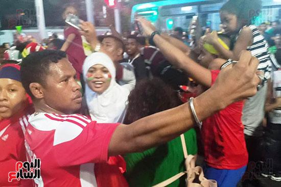 فرحة-جماهير-مدغشقر-بفوز-فريقهم--(25)