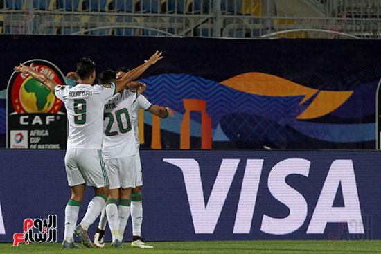 الجزائر وغينيا 0 (21)
