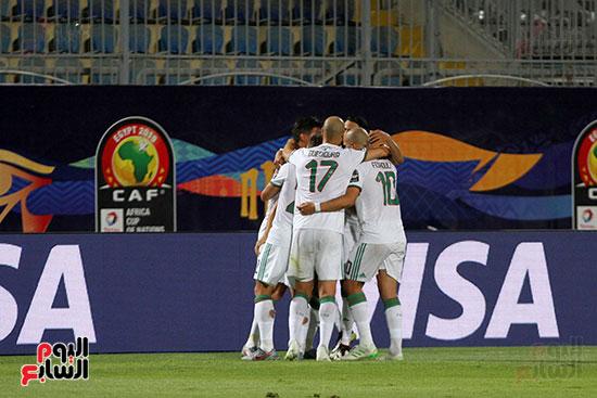 الجزائر وغينيا 0 (23)