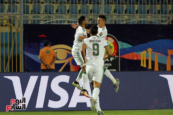 الجزائر وغينيا 0 (19)