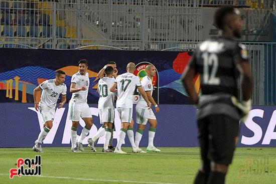 الجزائر وغينيا 0 (24)
