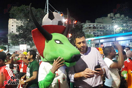 فرحة-جماهير-مدغشقر-بفوز-فريقهم--(8)