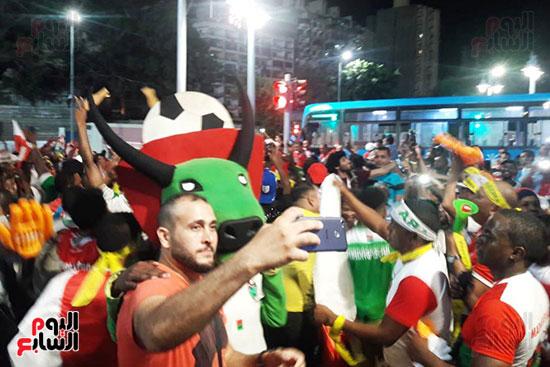 فرحة-جماهير-مدغشقر-بفوز-فريقهم--(3)