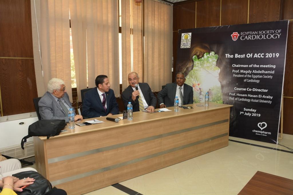 انطلاق المؤتمر العلمى لأمراض القلب والأوعية الدموية بجامعة أسيوط (9)