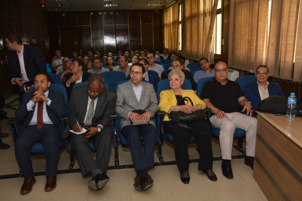 انطلاق المؤتمر العلمى لأمراض القلب والأوعية الدموية بجامعة أسيوط (3)
