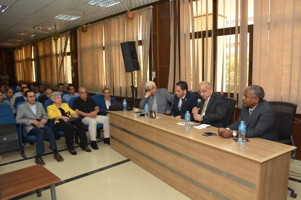انطلاق المؤتمر العلمى لأمراض القلب والأوعية الدموية بجامعة أسيوط (8)