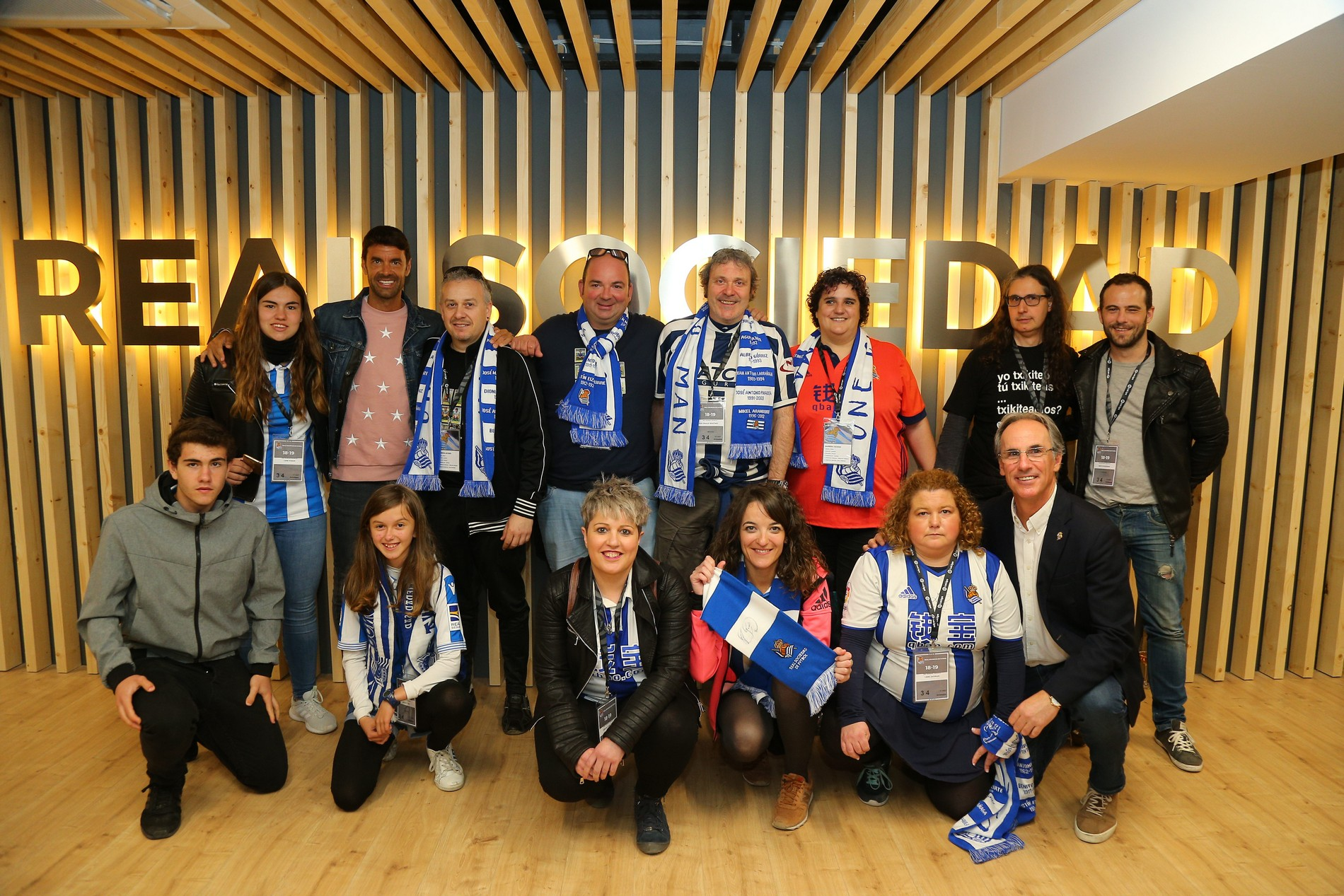 Real Sociedad smart scarf fans