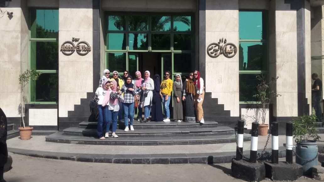 بدء فعاليات التدريب الميدانى على الترجمة الصحفية لطلاب ألسن (2)