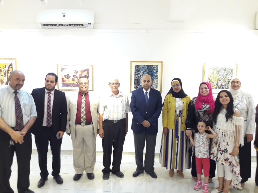 رئيس جامعة المنيا يفتتح معرض رؤية طباعية بلقطات متعددة (10)