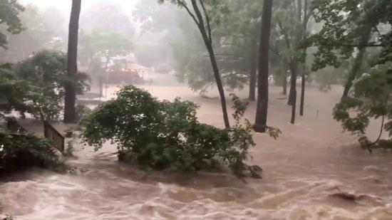 سقوط أمطار غزيرة