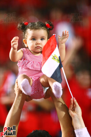 الأطفال فى مباراة مصر